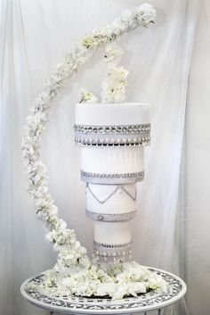 From Elizabeth's Cake Emporium, a gravity defying upside down hanging chandelier cake