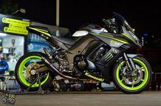 Kawasaki 250, Custom Street Bikes, Kawasaki Motorcycles, Super Bikes, Motorbikes, Cars, Helmets, Vehicles, Sick