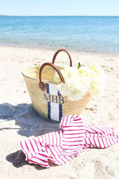 mark & graham monogrammed beach bag- Design Darling