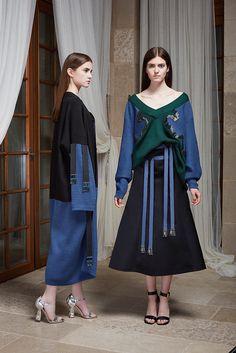 Новая коллекция Masterpeace х J.Kim | Мода | Новости | VOGUE Knitwear Fashion, Abaya Fashion, Ootd Fashion, Skirt Fashion, Runway Fashion, Trendy Fashion, Korean Fashion, Fashion Outfits, Best Fashion Designers
