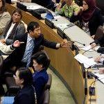 Nordkorea sorgt für Eklat: Tumult bei UN-Sitzung  Als Opfer des nordkoreanischen Regimes vor den Vereinten Nationen von Gräueltaten in dem Land erzählen, kommt es zum Eklat. Sprechchöre hallen durch den ansonsten diplomatisch-nüchternen Sitzungssaal, einem Diplomaten droht der Rauswurf.  http://peter-wuttke.de/nordkorea-sorgt-fuer-eklat-tumult-bei-un-sitzung/