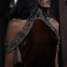 Queen Aesthetic, Princess Aesthetic, Pretty Dresses, Beautiful Dresses, Yennefer Of Vengerberg, Dark Queen, Fantasy Gowns, Trends, Fashion Outfits