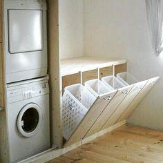 """1,621 curtidas, 28 comentários - STUDIO CAPESI (@studiocapesi_arquitetura) no Instagram: """"Quem ai curte a ideia de lavanderia com esses porta cestos? 👌😍 #Arquitetura #Interiores #Interiors…"""""""