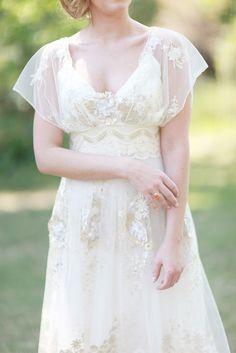 Vestido hermoso con bordados en lentejuelas