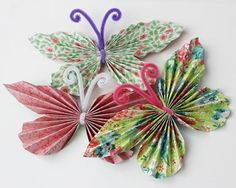 Hobby for barn Easy Crafts For Kids, Toddler Crafts, Diy For Kids, Fun Crafts, Diy And Crafts, Paper Butterflies, Paper Flowers, Paper Rosettes, Easter Art