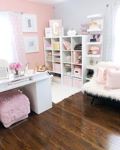 Ideas home office organization bedroom craft rooms for 2019 Cozy Home Office, Home Office Space, Home Office Design, Home Office Decor, Home Decor, At Home Office Ideas, Feminine Office Decor, Pink Office Decor, Shabby Chic Office