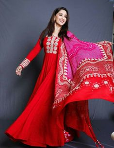 Bridal Hair Tutorial, Desi Wear, Madhuri Dixit, Mysore, Bollywood Fashion, Bollywood Style, Beauty Full Girl, Saree Wedding, Sarees Online