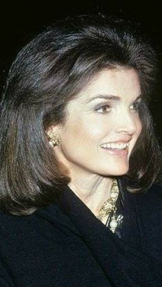 Style Icons Women Celebrities Jackie Kennedy 42 Ideas For 2019 John Kennedy, Estilo Jackie Kennedy, Les Kennedy, Jaqueline Kennedy, Jacqueline Kennedy Onassis, Jackie Kennedy Quotes, How To Pose, Portraits, Style Icons