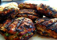This is a healthier alternative to the traditional burger. Once you add in all the ingredients, it only ends up being about meat. Meatloaf Burgers, Meatloaf Recipes, Advocare Recipes, Black Bean Burgers, Greek Dishes, Healthy Alternatives, Black Beans, Tandoori Chicken, Cilantro