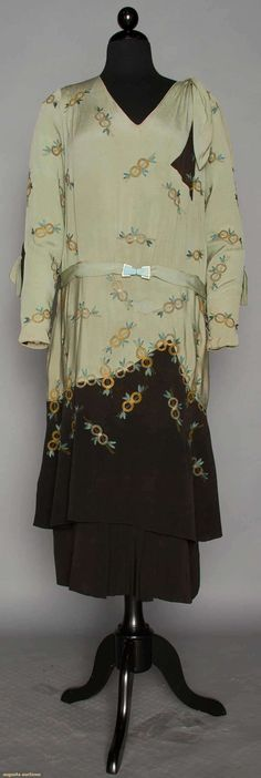 DAY DRESS, 1928-1932 | Augusta Auctions