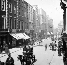 vintage everyday: Amazing Vintage Photos of Street Life of Ireland from the Grafton Street Old Pictures, Old Photos, Vintage Photos, Rue Pietonne, Grafton Street, Images Of Ireland, Old Paris, Dublin City, Kingdom Of Great Britain