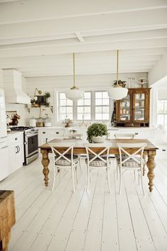 Although you may have a nice dining room, small kitchen tables can be a great addition into your home. It is definitely nice to have a dining room table, but also a nice kitchen table. Dining Table In Kitchen, Kitchen Decor, Kitchen Layout, Diy Kitchen, Craftsman Dining Tables, Farm Kitchen Ideas, French Dining Tables, Home Interior, Kitchen Interior