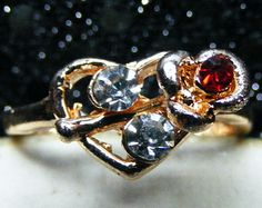 Czech Rhinestones Gold P fashion Ring.  The sparkle will amaze you!  Size 9 1/2