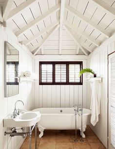 Simplicity is the key to summer house style.... Christian Liaigre // all white…