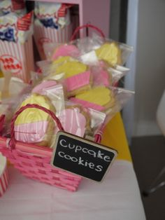 Cupcake Party Favors #cupcake #cupcake #partyfavors
