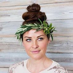 How to for a simple wedding foliage crown