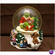 How the Grinch Stole Christmas Snow Globe. Its Huge! $10.00