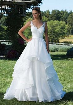 Sincerity | Style: 3993 Color: Ivory Size: 8 | New (Un-Altered) Wedding Dresses