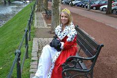 Königin in Düsseldorf  - Königinnentag