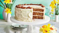 When the Hummingbird Cake was first submitted to Southern Living in 1978 by Mrs. Wiggins of Greensboro, North Carolina, we had no idea the cake would become our most popular and beloved Southern cake recipe ever. Without a doubt, the cake is a … Hummingbird Cake Recipes, Hummingbird Food, Cupcakes, Cupcake Cakes, Just Desserts, Dessert Recipes, Southern Desserts, Southern Recipes, Dessert Halloween