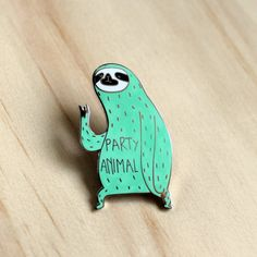 Paresseux émail broche  Party animal  menthe parti par SurfingSloth