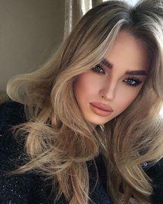 Glowy Makeup, Eyeshadow Makeup, Natural Makeup, Beauty Makeup, Hair Makeup, Hair Beauty, Blonde Balayage Highlights, Balayage Hair, Medium Hair Styles