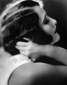 "Lilogi.com - ""The Golden Age"" - inspiration images, 1920's fashion, deco, female fashion, beading, drop-waists, fringe, 1920's, hair & make-up #1920's, #decofashion, #hairstyle"