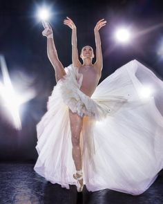 In Place of Its Spring Gala, the American Ballet Theatre Hosted a Virtual Celebration American Ballet Theatre, Ballet Theater, Tap Dance, Dance Art, Isabella Boylston, Dance Magazine, Ballet Companies, Dance Choreography, Ballet Beautiful