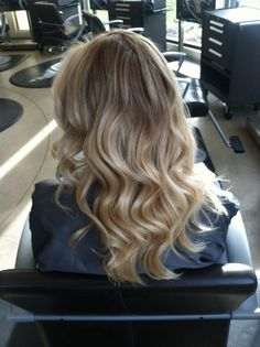 30 Trendy Hair Color Flamboyage It Works Hot Hair Colors, Hair Color And Cut, Different Blond, Sombre Hair, Blonde Sombre, Hair Thickening Treatment, Blonde Moments, Hair Again, Big Hair