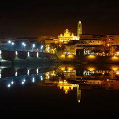 #Mirandela a terra das alheiras à noite.  #portugal