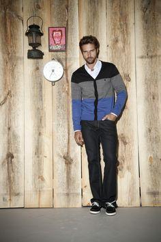 Nice casual look from Foxton menswear - really like this cardi Men Fashion Photo, Mens Fashion, Business Casual Men, Men Casual, Brazilian Men, Sartorialist, Latest Fashion Trends, Casual Looks, Menswear