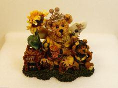 Boyds Bears & Friends Bearstone Victoria Regina Buzzbruin Flowers Fugurine NIB - Bearstones Boyds Bears, Party Items, The Ordinary, Teddy Bear, Victoria, Friends, Flowers, Party Stuff, Amigos