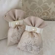 It's better than Tinder! Lavender Bags, Lavender Sachets, Wedding Favours, Wedding Gifts, Sachet Bags, Diy Y Manualidades, Gift Wrap Box, Small Sewing Projects, Islamic Gifts