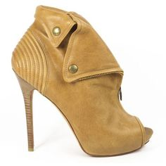 Pre-Owned Alexander Mcqueen Tan Leather  Peep Toe Skull Zip Booties ($408) ❤ liked on Polyvore featuring shoes, boots, ankle booties, brown, high heel booties, leather booties, tan peep toe booties, brown ankle booties and brown boots