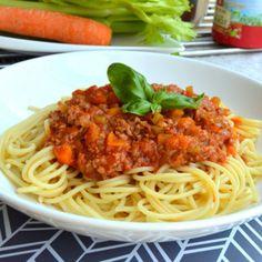 Recept na boloňské špagety krok za krokem - Vaření.cz Ciabatta, Frittata, Chorizo, Risotto, Hamburger, Spaghetti, Ethnic Recipes, Food, Essen