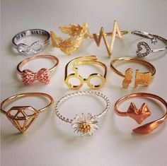 Diamond JewelryYou are going to buy this? Diamond Jewelry Giraux Fine Jewelry 35 Pieces Of Gorgeous Jewelery Diamond Necklace Designs Harry Potter Schmuck, Bijoux Harry Potter, Cute Jewelry, Jewelry Accessories, Fashion Accessories, Fashion Jewelry, Gold Jewelry, Fashion Rings, Hunting Accessories