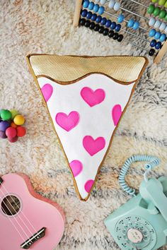 Pizza My Heart DIY Pillow   Give your granddaughter a super fun gift with this yummy sewing pattern!