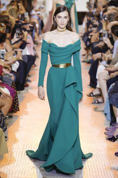 Elie Saab Fall 2018 Couture Fashion Show Collection: See the complete Elie Saab Fall 2018 Couture collection. Look 32