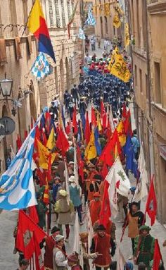 Palio day - This amazing picture has been taken from one of the Palazzo Masi's windows by our guests.