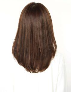 うるつやワンカールストレート(MR-25)   ヘアカタログ・髪型・ヘアスタイル AFLOAT(アフロート)表参道・銀座・名古屋の美容室・美容院 Haircuts Straight Hair, Haircuts For Medium Hair, Medium Hair Cuts, Short Hair Cuts, Medium Hair Styles, Short Hair Styles, Korean Hair Color, Medium Length Hair Straight, Hairdo For Long Hair