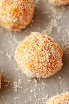 Perfectly bite-sized vegan carrot cake balls. This easy 5-ingredient recipe is raw, vegan, gluten-free and makes a perfect snack or dessert. #vegan #lovingitvegan #rawvegan #glutenfree #dessert #dairyfree