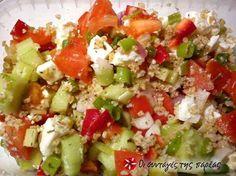 A Better Life with Burgers: Greek Quinoa Salad Greek Recipes, Light Recipes, Snack Recipes, Cooking Recipes, Healthy Recipes, Healthy Snaks, Greek Quinoa Salad, Salad Bar, Pinterest Recipes
