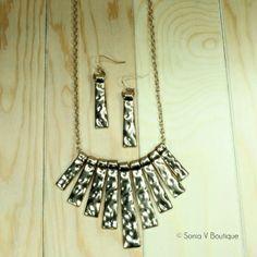 gold-v-shaped-hammered-bar-necklace-set - soniavboutique