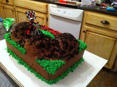 Back of dirt bike cake Motocross Cake, Bmx Cake, Motorbike Cake, Fifth Birthday Cake, Birthday Blast, Birthday Cakes, Birthday Ideas, Dirt Bike Cakes, Dirt Cake