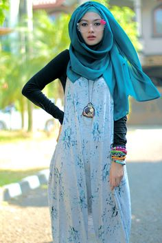 Turquoise hijab. Those glasses are so cute but way too juvenile for me lol. I would wear this outfit with Converse or Vans type sneakers though.