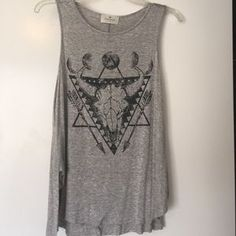I just discovered this while shopping on Poshmark: Threads Longhorn Graphic Tank. Check it out! Price: $20 Size: M