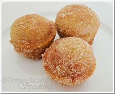 """Awesome pumpkin treat for fall. like pumpkin donut holes. Easy to make (mini muffin tin). With homemade apple butter, husband calls """"heavenly"""" :) Yummy Treats, Delicious Desserts, Sweet Treats, Dessert Recipes, Yummy Food, Dessert Healthy, Pumpkin Recipes, Fall Recipes, Holiday Recipes"""