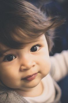 Oh my goodness.he's so perfect! I can see our baby looking kinda like this! Cute Little Baby, Cute Baby Girl, Little Babies, Baby Love, Cute Babies, Pretty Baby, Cute Baby Boy Images, Baby Girl Pictures, Cute Baby Pictures