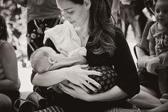 """http://cartasdeencorajamento1902.blogspot.com.br/2016/11/de-peito-para-fora.html """"Não é porque uma mulher se tornou mãe, que deixou de ser mulher. Nem o seio deixou de ser seio só porque está amamentando um bebê."""""""