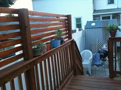 deck extension for shade/privacy I like how this looks better than what we have right now shadegardendiy shadegardenwall shadegardenideas Privacy Wall On Deck, Privacy Screen Outdoor, Backyard Privacy, Backyard Patio, Deck Privacy Screens, Privacy Fences, Fencing, Fence Gate, Deck Shade